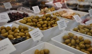 Seletion of olives