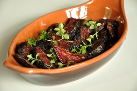 An image of roasted beetroot chips