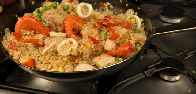 An image of Paella in the pan