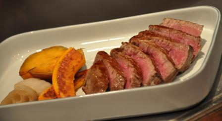 An image of Ppemium F1 Japanese beef in a rectangle dish.
