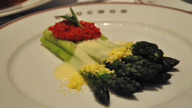 An image of Salade d'asperges at Bouchon