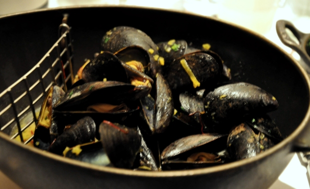 An image of Moules Safran at Bouchon