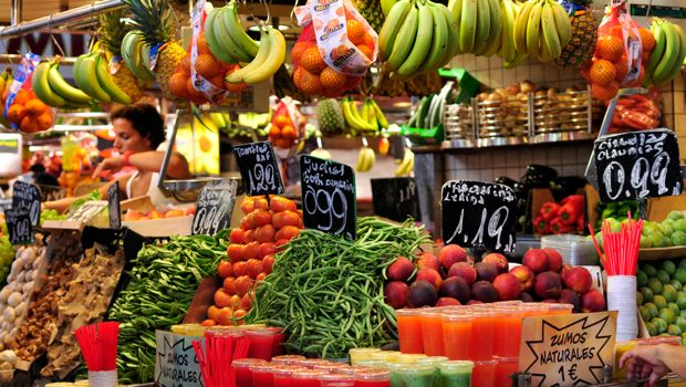An image of fresh fruit at La boqueria
