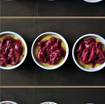 An image of how to make a fruit crumble