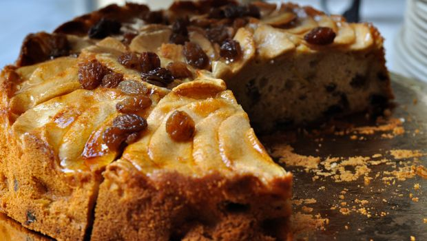 An image of Spanish apple and sultana cake