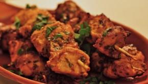 An image of paprika chicken pintxos