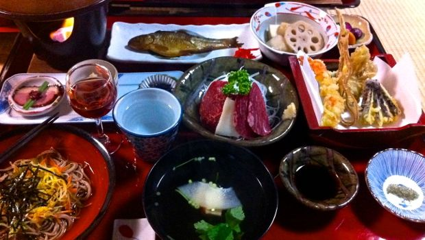 An image of a traditional Japanese meal in Tsumago