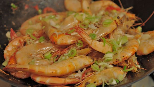 Chilli prawns in a wok