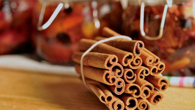 An image of cinnamon quills