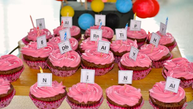 Table of the elements cup cakes