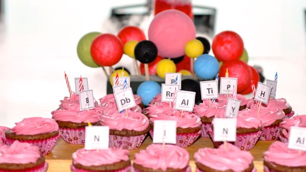 Science party chemistry cup cakes