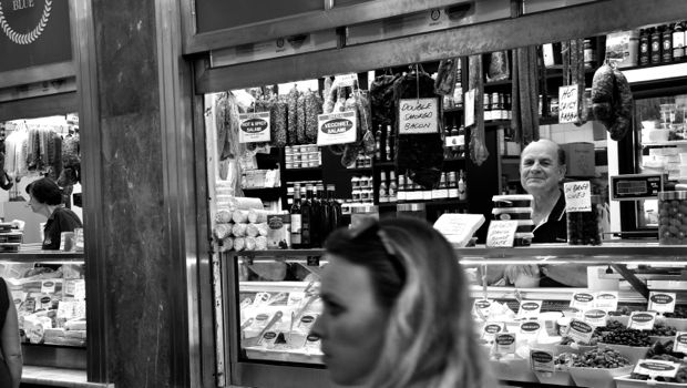 An image of a deli store in Melbourne's Victoria Markets