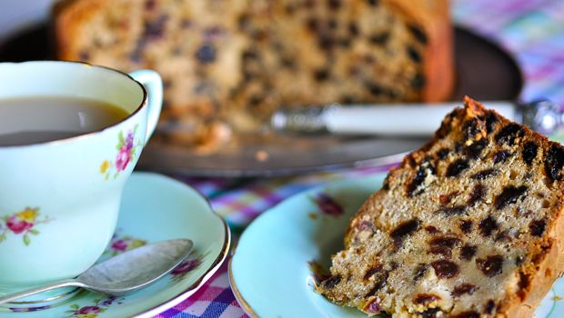Sultana cake and tea