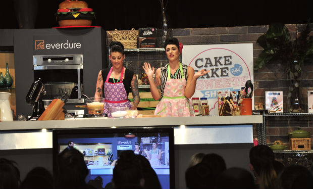 Taryn and Robyn from Pick Your Poison, demo at Cake Bake and Sweets 2014