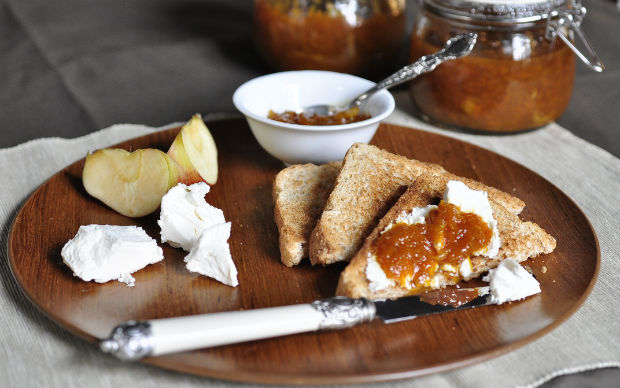 pumpkin marmalade with cheese and toast