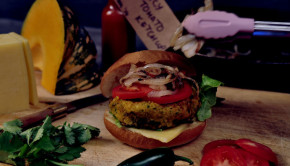 Curry chickpea vege burger