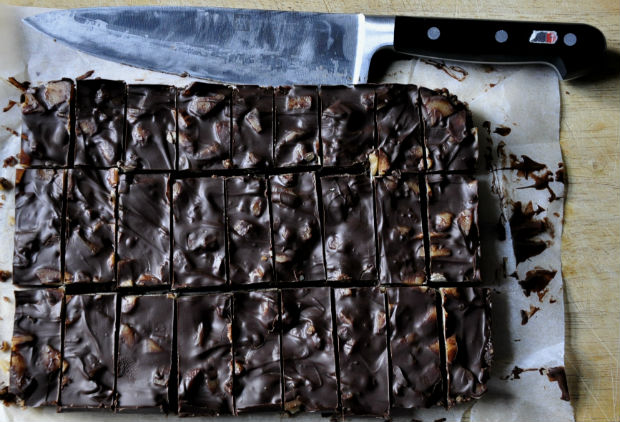 dark chocolate salted caramel slice - cut