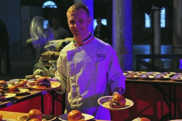 Rabobank F20 - Chef holding spit roast lamb rolls