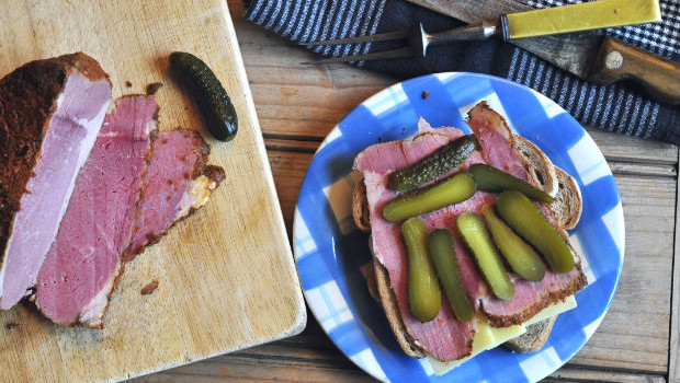 Pastrami on rye with pickles