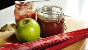 Rhubarb and apple chutney