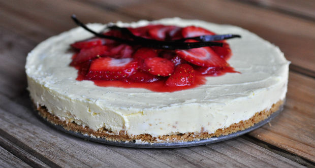 The perfect strawberry cheesecake